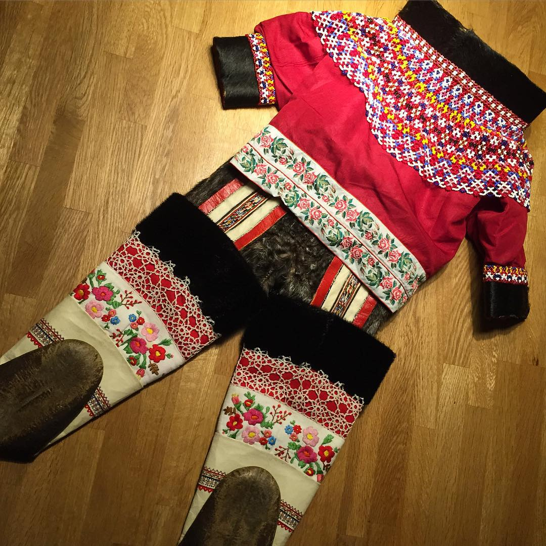 Greenlandic dress for a young child