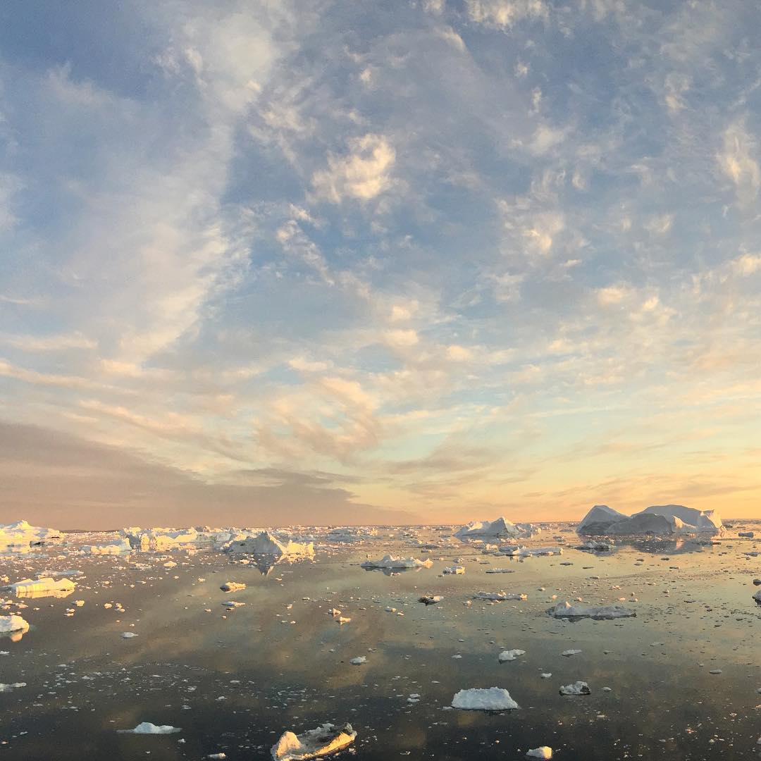 Beautiful light and Ilulissat's many icebergs