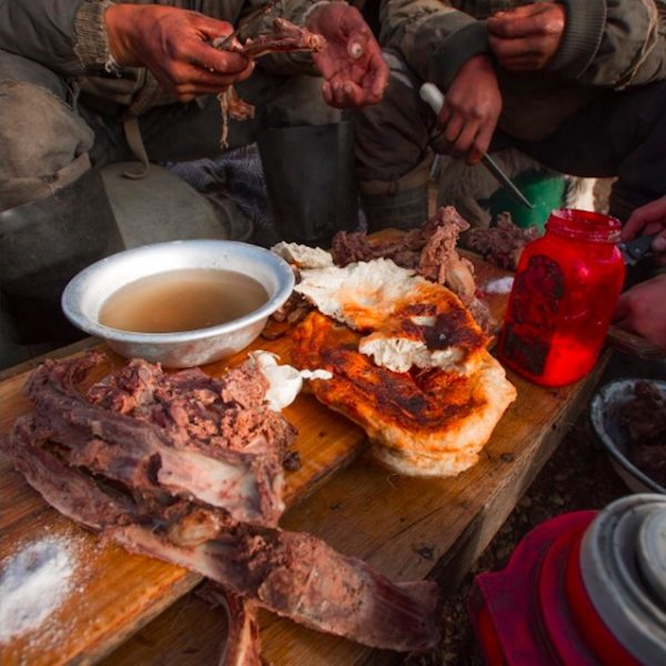 Breakfast on the tundra.