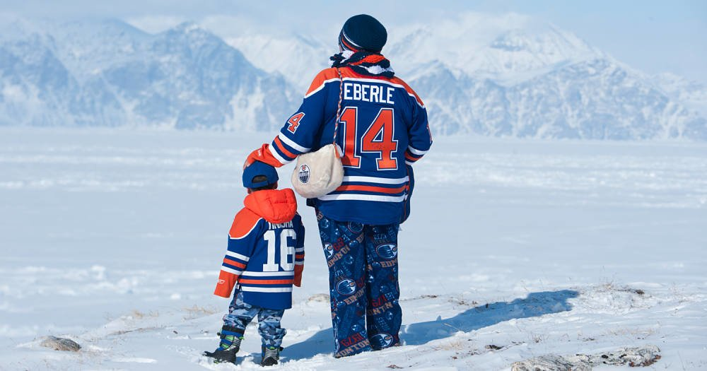 The Edmonton Oilers mean a lot to Nina Kautuq and her son Jutanie.